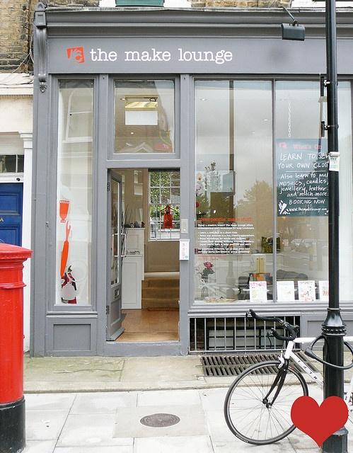 The Make LoungeStores Front, Home Interiors, Lounges, Interiors Design, Desks Layout, Industrial Design, Crafts Workshop, Hannover Germany, Shops Front