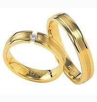 """ Cinci Kawin 20 "" spesifikasi  : #bahan ( emas kuning ) #berat ( 10 gram ) sepasang  #berlian bulat ( 0,10 ct 1 butir ) #harga ( Rp. 5.750.000 ) sepasang"
