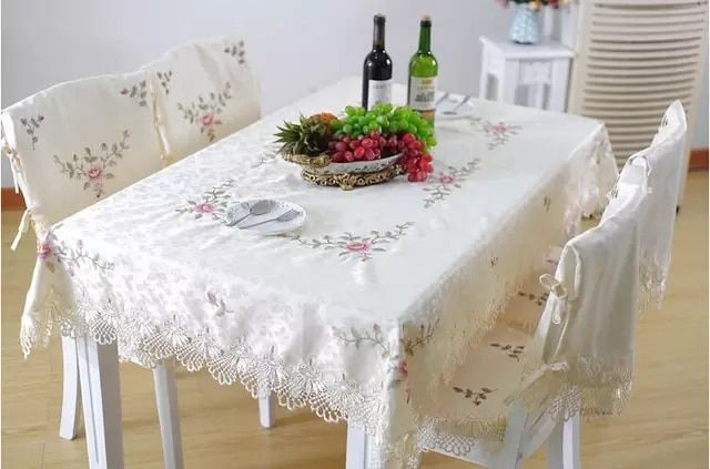 Hydrotropic Gremial Quality Dining Table Cloth Table Cloth Print
