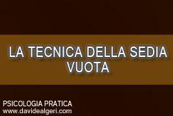 """La tecnica della sedia vuota Conoscete la """"tecnica della sedia vuota""""? """"La sedia vuota, che occupa uno spazio ben preciso nell'ambiente, si utilizza quando il protagonista deve dire delle cose ad un altro che egli immagina occupare lo spazio offerto dalla sedia."""" http://www.davidealgeri.com/la-tecnica-della-sedia-vuota.html #psicodramma #PsicologiaPratica"""