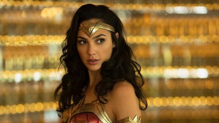 Movies Wonder Woman 1984 News Roundup Updated 11th September 2020 In 2020 First Wonder Woman Wonder Woman Gal Gadot