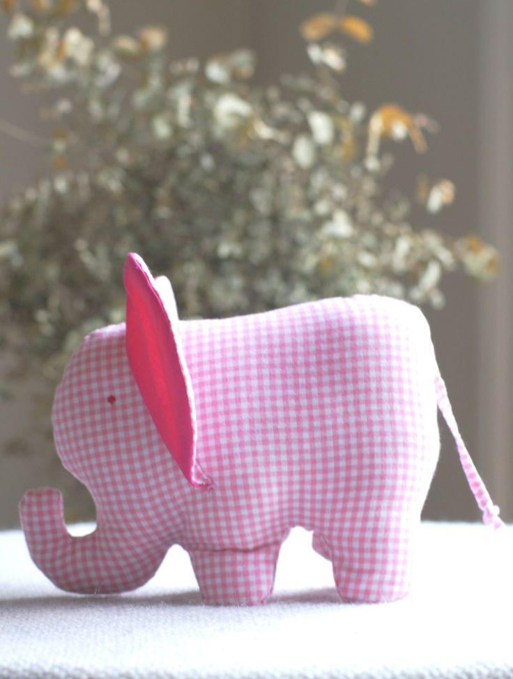 DIY handgemachter Stoffelefant