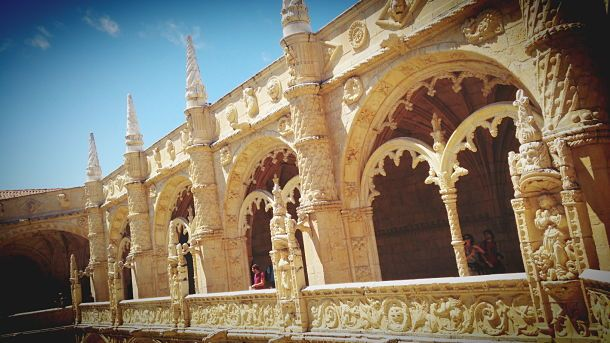 Road trip ensoleillé de Porto à Lisbonne (5/5) | via Guide-Envasion | 12/09/2014 Laure est partie cet été au Portugal faire un road trip de Lisbonne à Porto. En 5 étapes, elle nous raconte ce voyage haut en couleurs et généreux en saveurs. #Portugal  Photo: Lisbonne, Belem