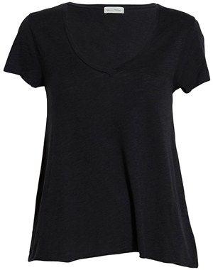 Løs kortærmet T-shirt med V-udskæring