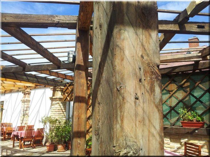 Pergola bontott tetőfából, kerti árnyékoló - # Loft bútor # antik bútor#ipari stílusú bútor # Akác deszkák # Ágyásszegélyek # Bicikli beállók #Bútorok # Csiszolt akác oszlopok # Díszkutak # Fűrészbakok # Gyalult barkácsáru # Gyalult karók # Gyeprács # Hulladékgyűjtők # Információs tábla # Járólapok # Karámok # Karók # Kérgezett akác oszlopok, cölöpök, rönkök # Kerítések, kerítéselemek, akác # Kerítések, kerítéselemek, akác, rusztikus # Kerítések, kerítéselemek, fenyő # Kerítések…