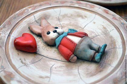 """Тарелки ручной работы. Заказать """"Это любовь..."""". Турченко Аня. Ярмарка Мастеров. Тарелка с росписью, валентинка, полимерная глина"""