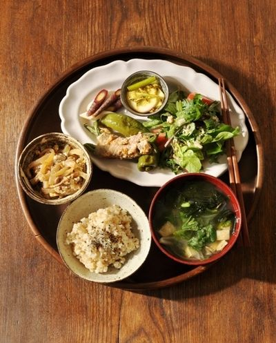 はやと瓜の炒め煮、蕪のアチャール、肉巻きインゲンの塩麹焼き、トマト ...