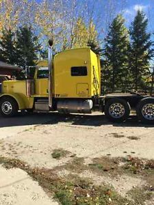 2013 Peterbilt 389 for sale by owner on Heavy Equipment Registry  http://www.heavyequipmentregistry.com/heavy-equipment/15359.htm