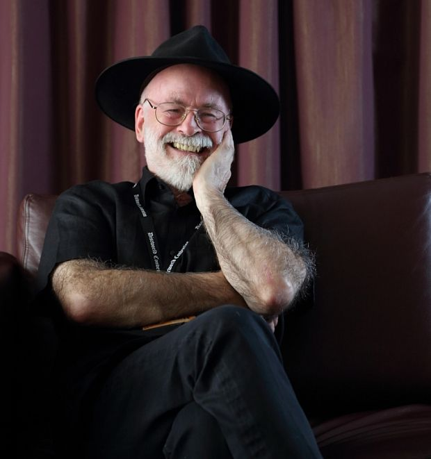 """Terry Pratchett: 50 best quotes - Telegraph  """"I commend my soul to any God that can find it"""""""