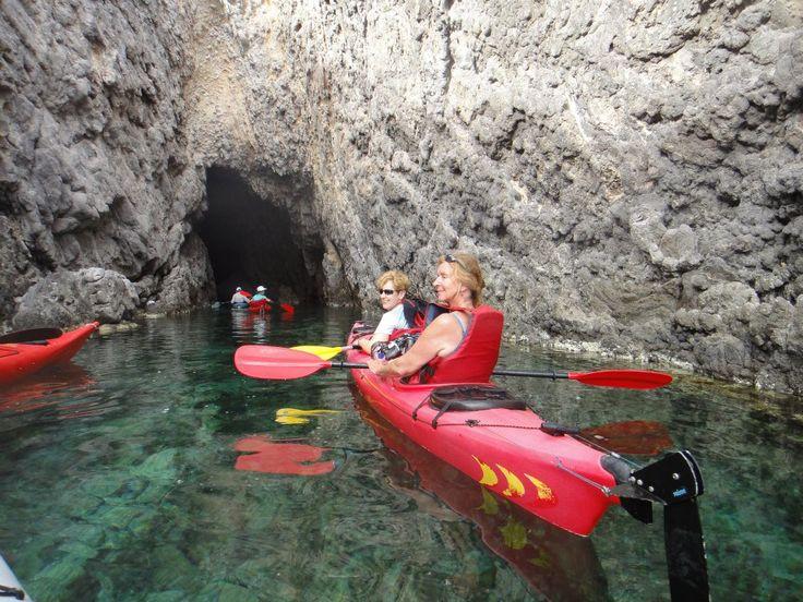 Kayak trips in Antiparos by Greece by Kayak - Antiparos Holidays - Antiparos news, life, sports, culture, events, touristic insights, rental...
