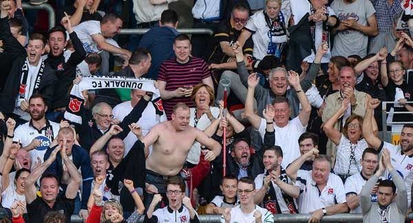Dundalk still eager Champions League history    Dundalk fans  Dundalk are targeting a slice of history tonight.  The League of Ireland champions are just one step away from a place in the Champions League group stages as they prepare to play host to Legia Warsaw in the first-leg of their play-off qualifier.  The Lilywhites have home advantage for the first-leg tie which is being held at the Aviva Stadium.  Manager Stephen Kenny says they're not getting wrapped-up in what Legia Warsaw's…