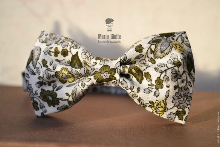 Купить Галстук-бабочка зеленые цветы на белом - галстук-бабочка, мужской аксессуар, бабочка