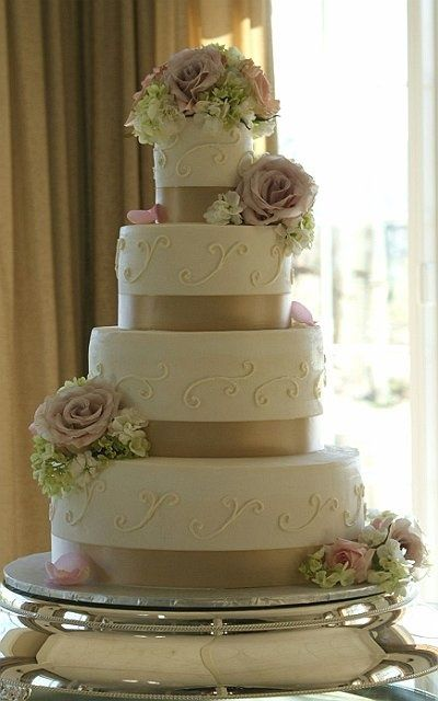 Ivory And Champagne Wedding Cake Ercream With