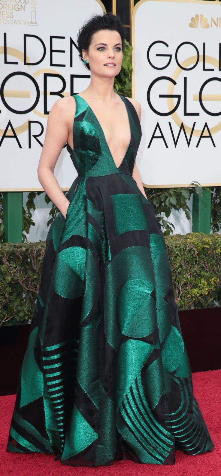 Jaimie Alexander in Genny at the Golden Globes (Photo: Monica Almeida/The New York Times)