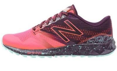 New Balance Zapatillas Trail Pink Zing Las Zapatillas Deportivas De Mujer Las zapatillas deportivas de mujer han encontrado un nuevo rumbo y ahora encabezan los mejores looks cosmopolitas.