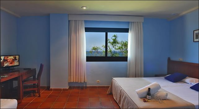 Room at Naturplaya Naturis Hotel in Mallorca. Alcudia Bay. Only naturist hotel in the Island.