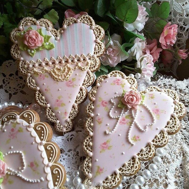 Gingerbread keepsake hearts  by Teri Pringle Wood