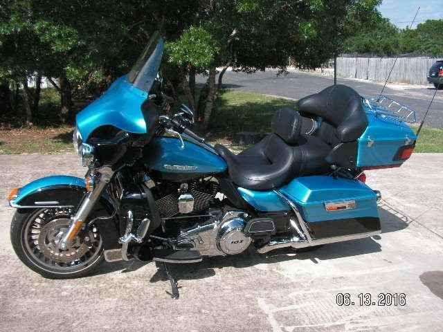 Used 2011 Harley-Davidson ELECTRA GLIDE ULTRA LIMITED Motorcycles For Sale in Texas,TX. Like new 2011 HD Ultra Classic Limited, 103 C.I. engine, Cruise, Am/Fm Cd, Intercom, CB, Anti Lock brakes, soft luggage for bags & box, 2 in helmet headsets, back rest. Very nice, very clean, great ride, no damage, never down, always kept inside garage or trailer (also for sale). Also 16 ft Cargo Craft Trailer to carry it & 1 more. $14500.00 for Harley, $3850.00 for trailer. Cash or Certified funds only…