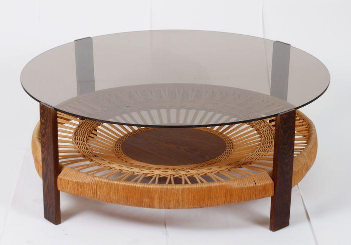 Vintage rotan tafel met gebruind/smoke glas