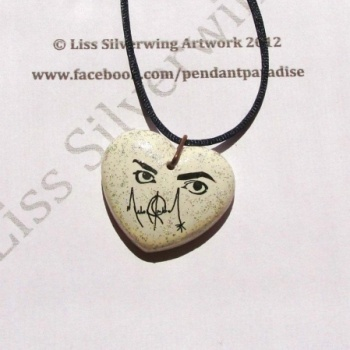 I checked out Michael Jackson Eyes into your heart pendant on Lish, € 21,00