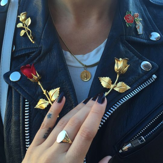 Rebel wear, accessories,  pin roses, gold, black nails