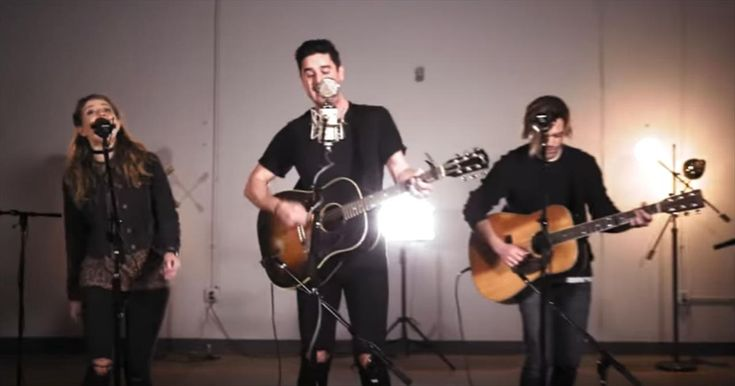 Passion Band and Kristian Stanfill Perform 'Glorious Day' At New Song Cafe - Christian Music Videos