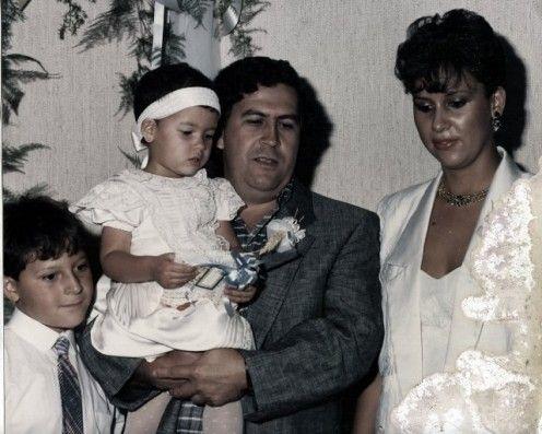 Pablo Escobar tenia una niña y un ñino con su esposa Maria Henao