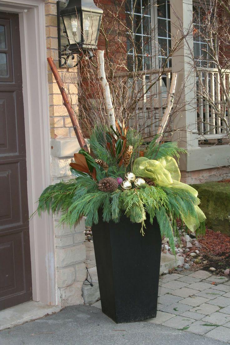 christmas outdoor planter ideas | Ideas 2 Inspire: Christmas Planters