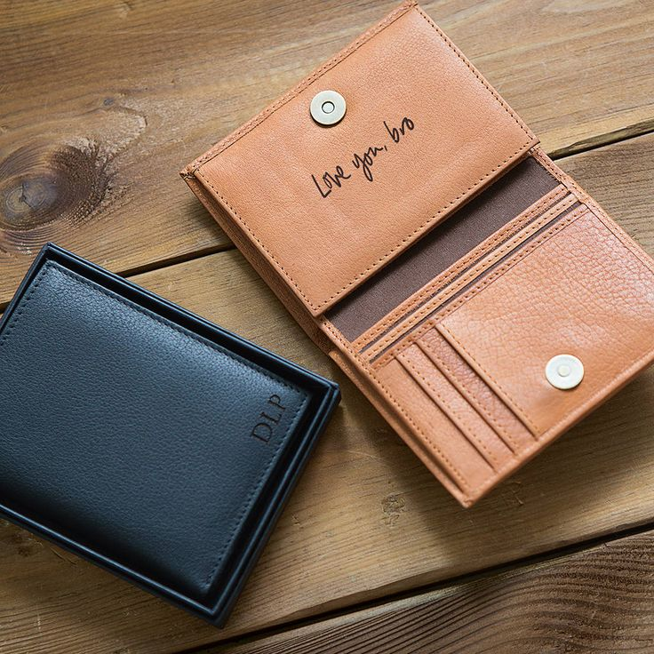 Are you interested in our mens leather wallet personalised? With our leather wallet gift coin section tv advert you need look no further.