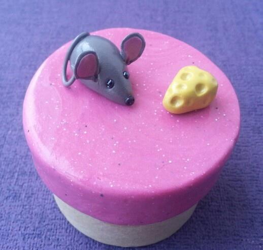 Boîte à dents souris et fromage