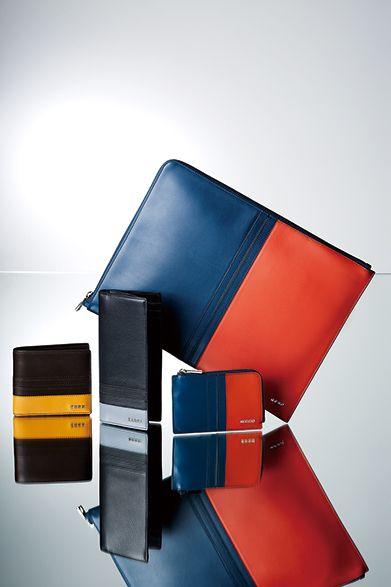 TOD'S(トッズ) トッズが誇るメイド・イン・イタリーの精神と巧みな職人技が宿るスモールレザーグッズ。今シーズンはトッズらしい配色が目を引くカラーブロッキングのシリーズがあらたにラインナップ。美しいカラーブロッキングなど、洗練された色使いはギフトに最適。 バッグ[W33×H25cm]5万7240円、2つ折り財布4万7520円、長財布5万5080円、コインケース3万3480円(トッズ/阪急メンズ東京1・3階)