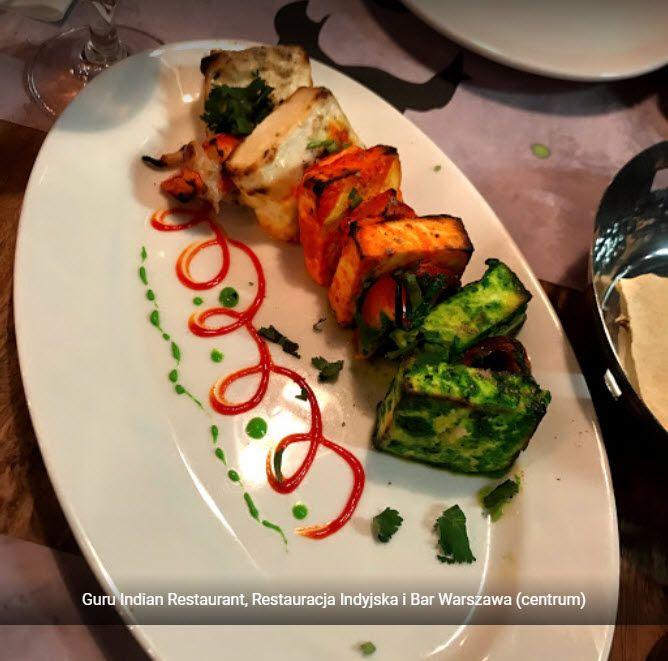 Kolorowe I Aromatyczne Potrawy Hinduskie Przyrzadza Sie Glownie Ze Skladnikow Stanowiacych Podstawe Dobrze Zbilansowanej Diety Jesl Food Restaurant Vegetables