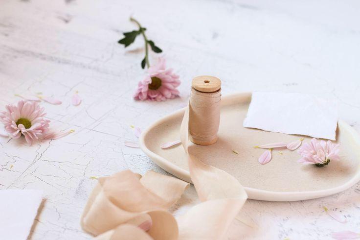 Quiero compartir lo último que he añadido a mi tienda de #etsy: Hand dyed silk ribbon, Bronze Silk Ribbon, Beige Ribbon, Wedding decoration, Bridal bouquet, Photography props, Silk Ribbon, plant dyed