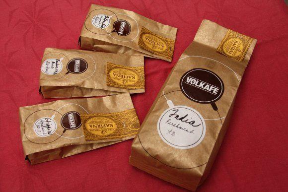 V severočeském Trutnově provozují manželé Volkovi malý rodinný podnik jménem Kafírna, který nabízí nejen útulné prostředí, ale také vlastnoručně praženou originální kávu - Volkafe. Více: http://bit.ly/2c2ODCJ