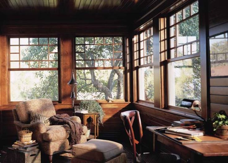 Queen Anne windows were popular from the 1880s into the 1900s and are now made by several window manufacturers. (Photo: Andersen Windows)
