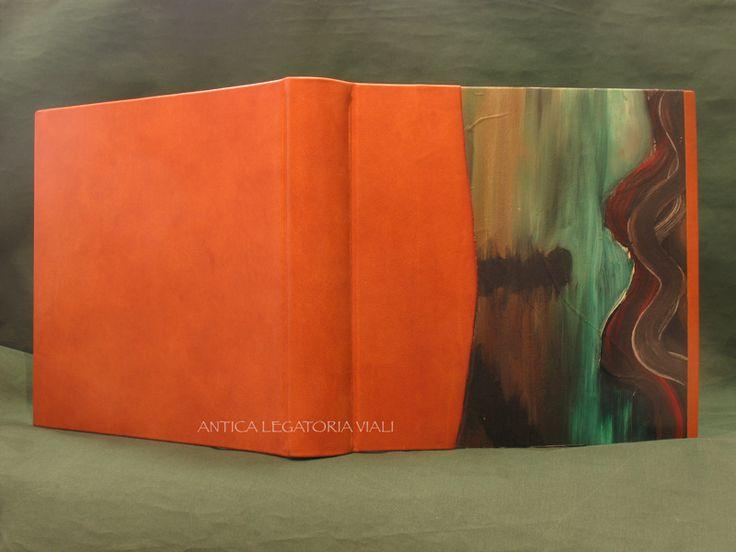 Album fotografico rilegato in 3/4 pelle bovina e parte di una pittura ad olio eseguita da Lucia Arena. Dimensioni cm 35 x 35 - 50 fogli #legatoria #legatoriaviali #viterbo #rilegature #bookbinding #bookbinder #rilegatura #artesan #artigianato #artigiano #italie #italia #libri #books #artigianatoartistico #rilegatore #orvieto #roma #tusciaviterbese #tuscia #fotografia #reliure #albumfotografico #foto