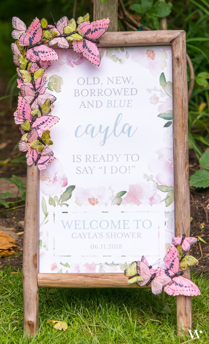 This self-standing sign is outlined in a rustic wood frame, making it an ideal focal feature for any woodland, rustic themed wedding, or garden party. Display a garden party themed welcome sign in the frame to welcome your guests when they enter