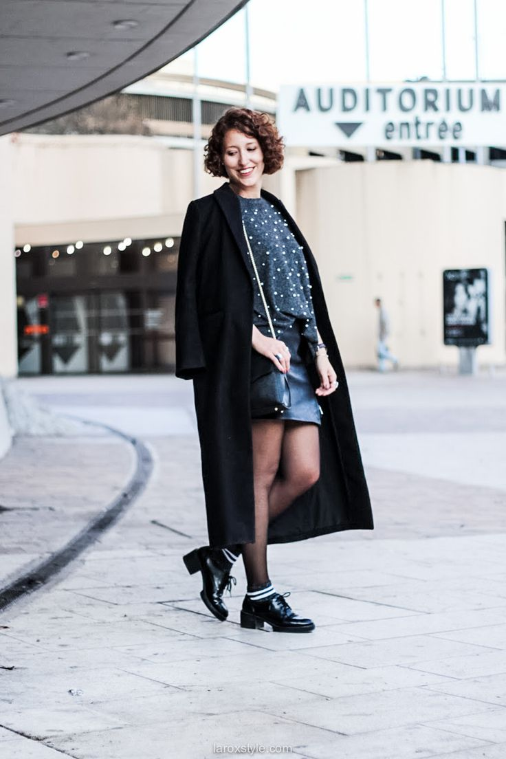 Look Girly Sexy - pull à Perles - chaussettes Paillettes - jupe Simili cuir !