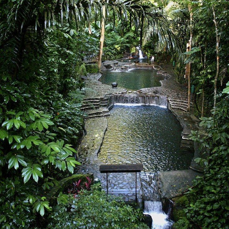 pool in Hawaii