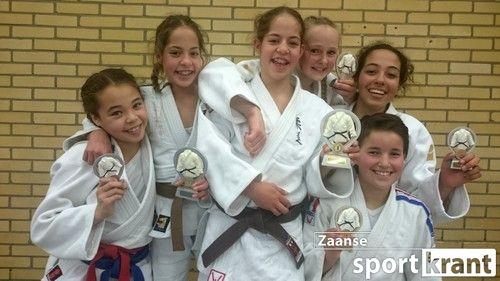 Prijswinnende judoka's van Sportschool Salomons.