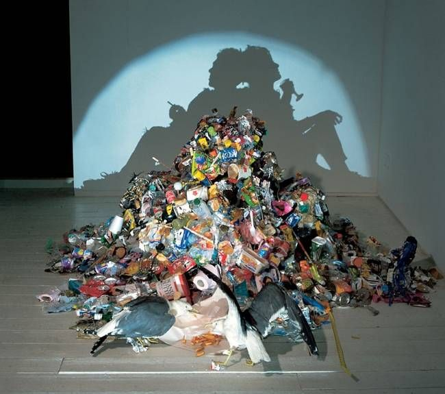 Amazing Shadow Sculptures by Tim Noble and Sue Webster | Marvelous http://www.thisismarvelous.com/i/4-Amazing-Shadow-Sculptures-by-Tim-Noble-and-Sue-Webster