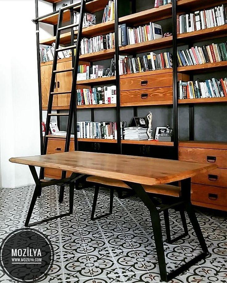 🌿Kıymetli kitaplarınızı, ait olduğu doğal ahşaba emanet etmeniz için özel olarak tasarladığımız kitaplık modellerimizden biri… Ve tabi ki her dokunuşta doğayı hissedeceğiniz meşe ağacı çalışma masası. 🌲 www.mozilya.com  adresinden bütün modellerimize ulaşabilir, ayrica mağazamızda urunlerimizi inceleyebilirsiniz. #ev #art #kitaplık #ahşap #masa #wood #alışveriş #sehpa #design #masifmobilya #rustic #mobilya #tarz #table #shopping #dekor #ceviz #home #cafe #online #instagood #yemekmasası…