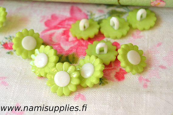 Lime Green Flower Buttons 10 Pcs, Light Green Flower Shank Button, 15mm Buttons, Flower Shaped Buttons, Plastic Buttons, Craft Buttons