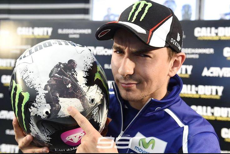 Ini Dia Helm Khusus Lorenzo Untuk MotoGP Valencia 2014 - http://iotomotif.com/ini-dia-helm-khusus-lorenzo-untuk-motogp-valencia-2014/32762 #HelmKhususLorenzoMotoGPValencia, #JorgeLorenzo, #Lorenzo, #MotoGPValencia2014, #ValentinoRossi
