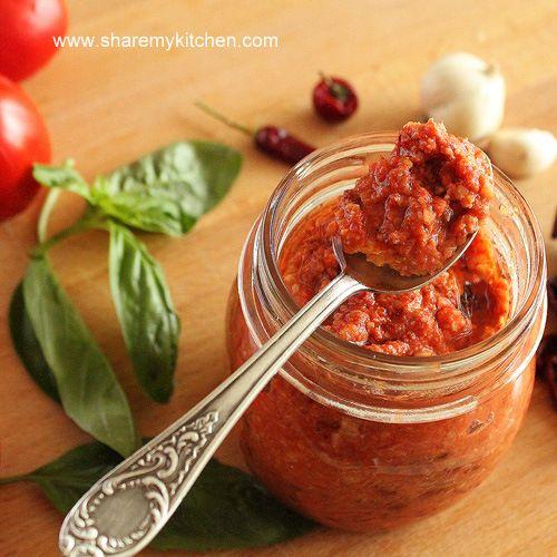 Pesto rosso (red pesto)