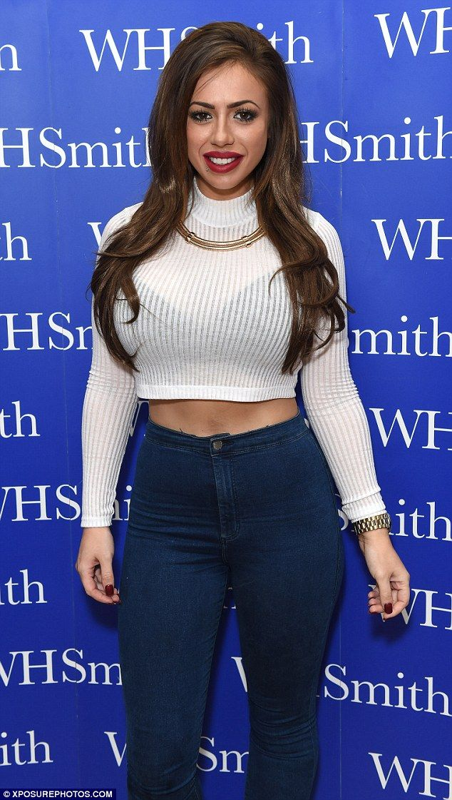 I know her boobs are fake, which definitely emphasise her curves! But damn, she looks great both with her fuller figure and slimmer! I admire the effort she has put into her body, even though she looked great before aswell. Weightloss is tough, but achievable.