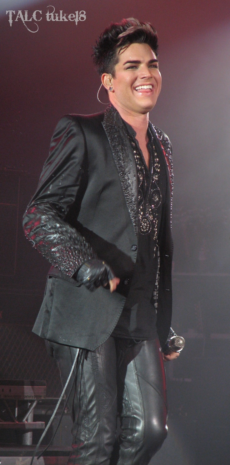 Adam Lambert, London show, 12th July 2012 | Source: @tuke18...Just too Darn Adorable!!!