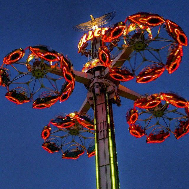 Night flight on Flying Falcon. #HersheyPA | Hersheypark ...
