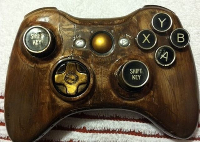 Loving this steampunk xbox 360 controller!