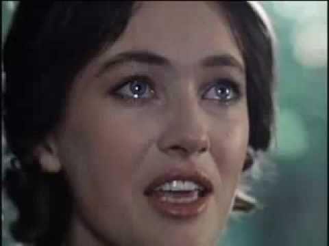 """""""The Farewell Song,"""" from """"A Cruel Romance,"""" Larisa Guzeeva, Nikita Mikhailkov, (sung by Valentina Ponomaryeva) 1984 ▶ A na posledоk ja skazy....mp4 - YouTube"""